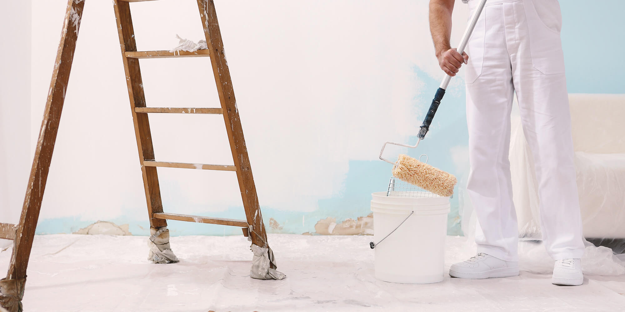 Applying paint to the walls is not easy. It requires a lot of skills. Only experts should perform this task. For others, it could be mission impossible.